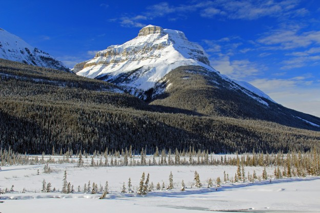 """<p>Jasper National Park, AB</p><p class=""""lightbox-share""""><span>Share: </span><a class=""""lightbox-fb"""" href=""""javascript:void(0);"""">Facebook</a><a class=""""lightbox-twit"""" href=""""https://twitter.com/home?status=I%20voted%20for%20Mount%20Amery%20%20in%20the%20Cornice%20Calendar%20Contest.%20Choose%20your%20favourite%206%20photos:%20http://ow.ly/yCSmZ"""" target=""""_blank"""">Twitter</a></p><input type=hidden class=voteid value=1534 />"""