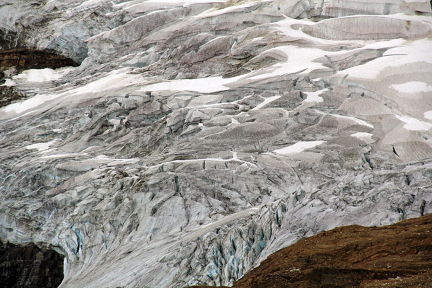 """<p>Iceline Trail; Yoho National Park, B.C.</p><p class=""""lightbox-share""""><span>Share: </span><a class=""""lightbox-fb"""" href=""""javascript:void(0);"""">Facebook</a><a class=""""lightbox-twit"""" href=""""https://twitter.com/home?status=I%20voted%20for%20Emerald%20Glacier%20in%20the%20Cornice%20Calendar%20Contest.%20Choose%20your%20favourite%206%20photos:%20http://ow.ly/yCSmZ"""" target=""""_blank"""">Twitter</a></p><input type=hidden class=voteid value=1654 />"""