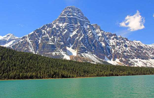 """<p>Icefields Parkway; Banff National Park, Alberta</p><p class=""""lightbox-share""""><span>Share: </span><a class=""""lightbox-fb"""" href=""""javascript:void(0);"""">Facebook</a><a class=""""lightbox-twit"""" href=""""https://twitter.com/home?status=I%20voted%20for%20Mount%20Chephren%20in%20the%20Cornice%20Calendar%20Contest.%20Choose%20your%20favourite%206%20photos:%20http://ow.ly/yCSmZ"""" target=""""_blank"""">Twitter</a></p><input type=hidden class=voteid value=1645 />"""