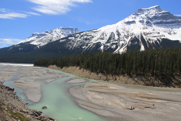 """<p>Icefields Parkway; Banff National Park, Alberta</p><p class=""""lightbox-share""""><span>Share: </span><a class=""""lightbox-fb"""" href=""""javascript:void(0);"""">Facebook</a><a class=""""lightbox-twit"""" href=""""https://twitter.com/home?status=I%20voted%20for%20North%20Saskatchewan%20River%20in%20the%20Cornice%20Calendar%20Contest.%20Choose%20your%20favourite%206%20photos:%20http://ow.ly/yCSmZ"""" target=""""_blank"""">Twitter</a></p><input type=hidden class=voteid value=1646 />"""