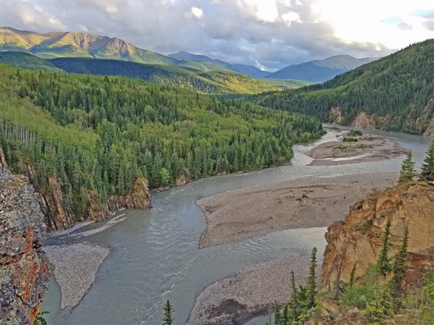 """<p>Grande Cache, Alberta</p><p class=""""lightbox-share""""><span>Share: </span><a class=""""lightbox-fb"""" href=""""javascript:void(0);"""">Facebook</a><a class=""""lightbox-twit"""" href=""""https://twitter.com/home?status=I%20voted%20for%20Sulphur%20Gates%20in%20the%20Cornice%20Calendar%20Contest.%20Choose%20your%20favourite%206%20photos:%20http://ow.ly/yCSmZ"""" target=""""_blank"""">Twitter</a></p><input type=hidden class=voteid value=1638 />"""