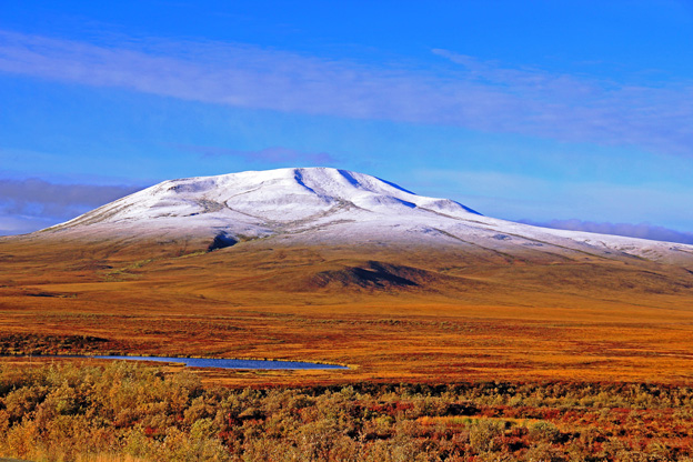 """<p>Dempster Highway, Yukon Territory</p><p class=""""lightbox-share""""><span>Share: </span><a class=""""lightbox-fb"""" href=""""javascript:void(0);"""">Facebook</a><a class=""""lightbox-twit"""" href=""""https://twitter.com/home?status=I%20voted%20for%20Yukon%20Fall%20in%20the%20Cornice%20Calendar%20Contest.%20Choose%20your%20favourite%206%20photos:%20http://ow.ly/yCSmZ"""" target=""""_blank"""">Twitter</a></p><input type=hidden class=voteid value=1630 />"""