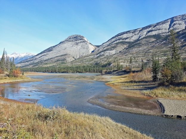 """<p>Jasper National Park, AB</p><p class=""""lightbox-share""""><span>Share: </span><a class=""""lightbox-fb"""" href=""""javascript:void(0);"""">Facebook</a><a class=""""lightbox-twit"""" href=""""https://twitter.com/home?status=I%20voted%20for%20Athabasca%20River%20in%20the%20Cornice%20Calendar%20Contest.%20Choose%20your%20favourite%206%20photos:%20http://ow.ly/yCSmZ"""" target=""""_blank"""">Twitter</a></p><input type=hidden class=voteid value=1821 />"""