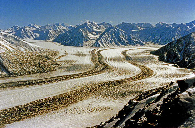 """<p>Kaskawulsh Glacier, Kluane National Park, YT</p><p class=""""lightbox-share""""><span>Share: </span><a class=""""lightbox-fb"""" href=""""javascript:void(0);"""">Facebook</a><a class=""""lightbox-twit"""" href=""""https://twitter.com/home?status=I%20voted%20for%20WINNER!%20Kaskawulsh%20View%20in%20the%20Cornice%20Calendar%20Contest.%20Choose%20your%20favourite%206%20photos:%20http://ow.ly/yCSmZ"""" target=""""_blank"""">Twitter</a></p><input type=hidden class=voteid value=1797 />"""