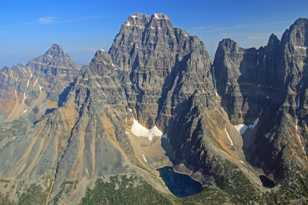 """<p>Valemount to Fraser Pass overflight, Mt. Robson Provincial Park, BC</p><p class=""""lightbox-share""""><span>Share: </span><a class=""""lightbox-fb"""" href=""""javascript:void(0);"""">Facebook</a><a class=""""lightbox-twit"""" href=""""https://twitter.com/home?status=I%20voted%20for%20Mount%20Geike%20in%20the%20Cornice%20Calendar%20Contest.%20Choose%20your%20favourite%206%20photos:%20http://ow.ly/yCSmZ"""" target=""""_blank"""">Twitter</a></p><input type=hidden class=voteid value=1801 />"""