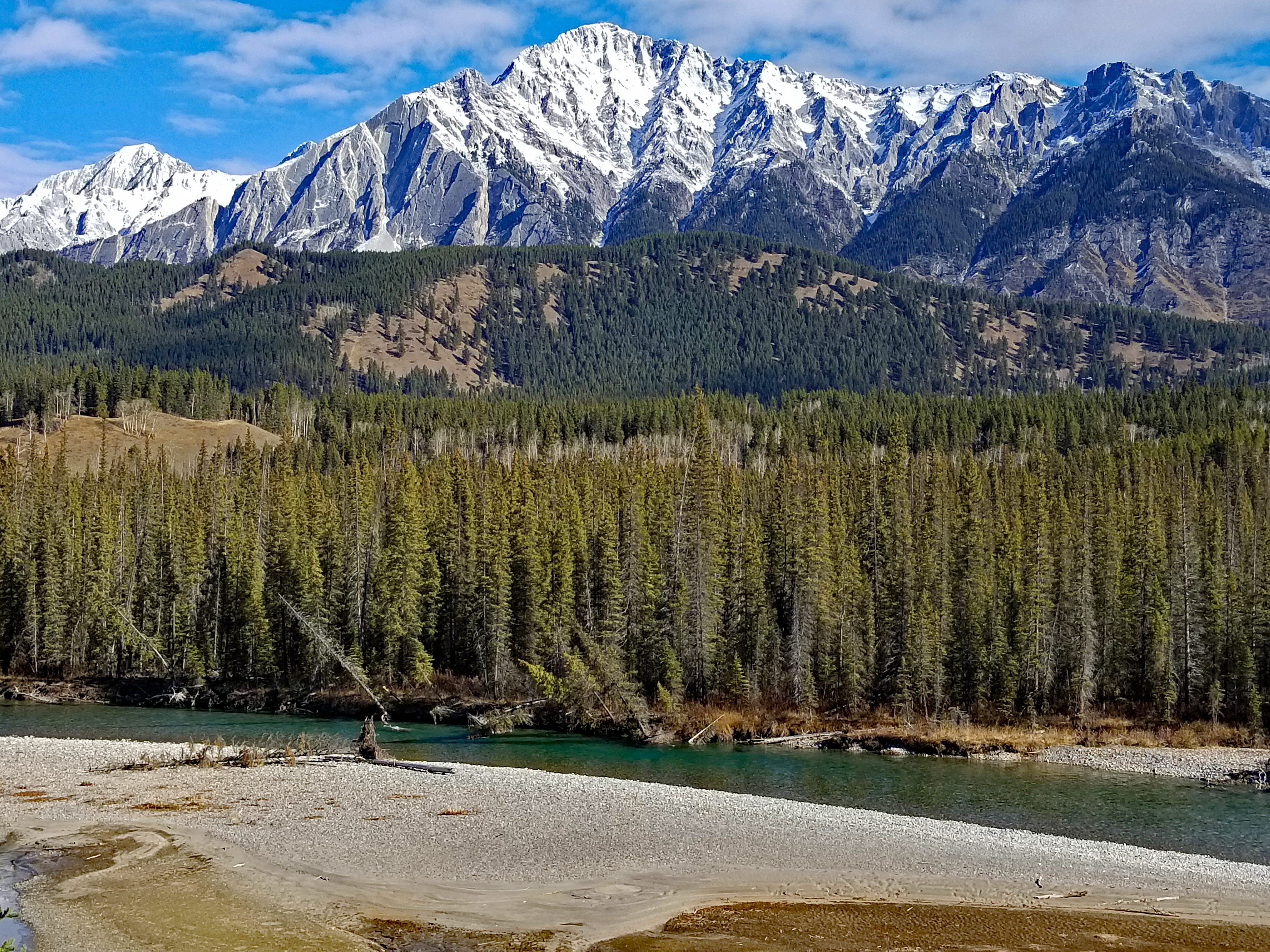 """<p>Banff National Park, AB</p><p class=""""lightbox-share""""><span>Share: </span><a class=""""lightbox-fb"""" href=""""javascript:void(0);"""">Facebook</a><a class=""""lightbox-twit"""" href=""""https://twitter.com/home?status=I%20voted%20for%20Mount%20Ishbel%20in%20the%20Cornice%20Calendar%20Contest.%20Choose%20your%20favourite%206%20photos:%20http://ow.ly/yCSmZ"""" target=""""_blank"""">Twitter</a></p><input type=hidden class=voteid value=1908 />"""